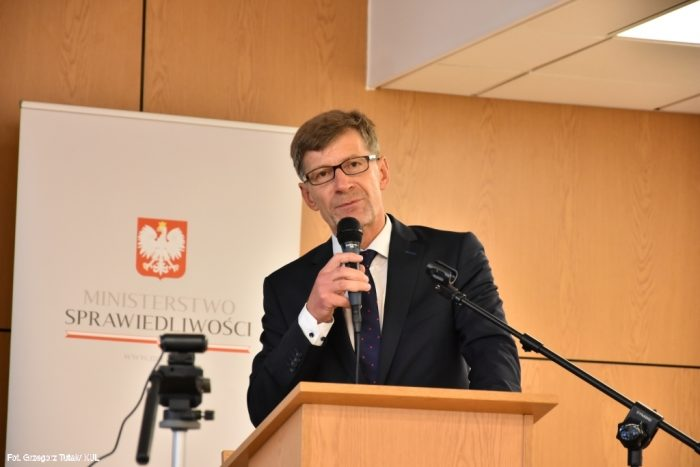 prof. dr hab. Dariusz Dudek